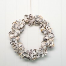 OYSTER SHELL WREATH 35CM - N/A due to COVID-19  :(